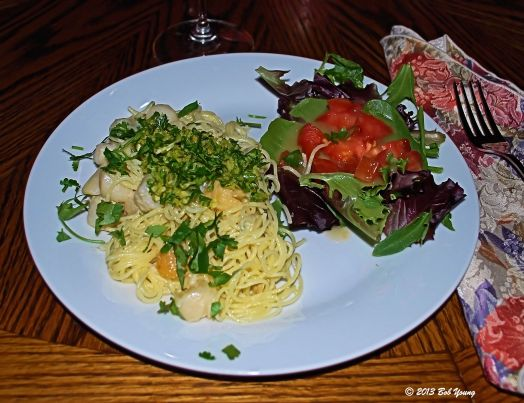 14Jan2013_1_Captains-Shack_Garlic-Sauteed-Scallops_Wint_Angelhair-Pasta
