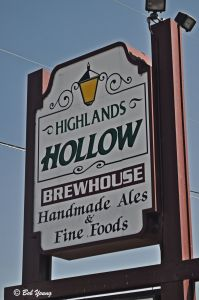 05Aug2013_1_Highlands-Hollow-Pub_Sign