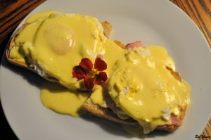 25Sept2013_1_Captains-Shack_Hollandaise-Breakfast_Terrell-Recipe