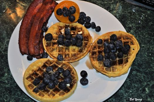 Robin did not want5 eggs or Mrs Butterworths, so just pure maple syrup, unsalted butter and fruit on her waffles.