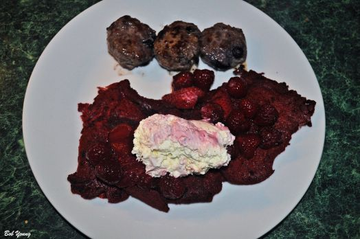14Feb2014_1_Valentines-Day-Breakfast_Red-Velvet-Pancakes