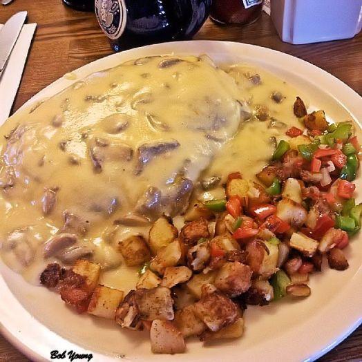 Mushroom Omelet with Mushroom/Sherry Sauce Home Fries