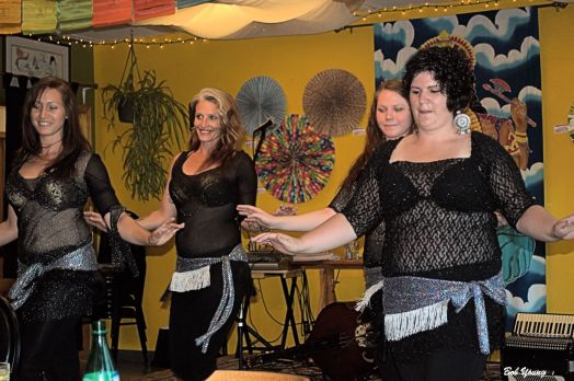 01July2014_2c_Shangri-La-Tea-Room_and_Cafe_Entertainment_Cecilia-Rinn-Starbelly-Dancers_Black-Quad