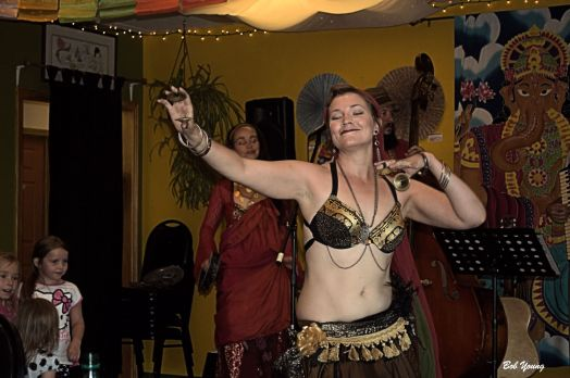 01July2014_2c_Shangri-La-Tea-Room_and_Cafe_Entertainment_Cecilia-Rinn-Starbelly-Dancers_Single-Gold