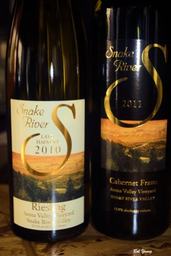 Snake River Winery offered wines with the dinner and beer was also available from Woodland Empire Brewery.