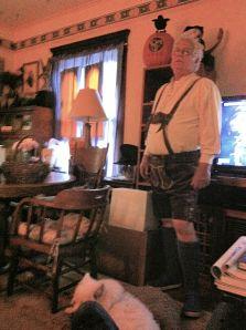 14Oct2014_The-Buzz_Laderhosen-Bob