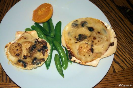 Coquilles St Jacques with Steamed Snap Peas