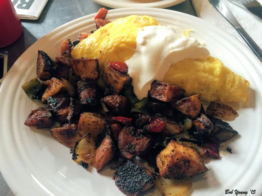Johnnie's Omelet with Potatoes and Sour Cream