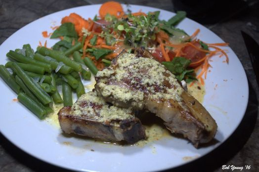 Braised Felzien Lamb Chops Poached Green Beans SApinach Salad with tomatoes, micro greens and carrots Champagne Pear Dressing
