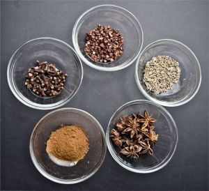 5_spice_seasonings_graphic