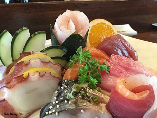 I had this Sashimi Deluxe, 18 pieces of pure delight. Mackerel (Saba), Octopus (Tako), Salmon (Sake), Albacore Tuna (Shiro Maguro) served with Cucumber, Diakon and Shaved Ginger and Wasabi.